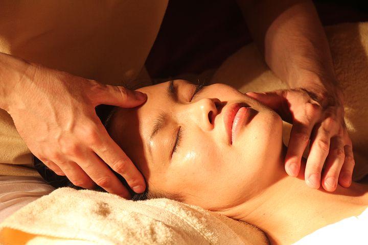 masaje facial relajante