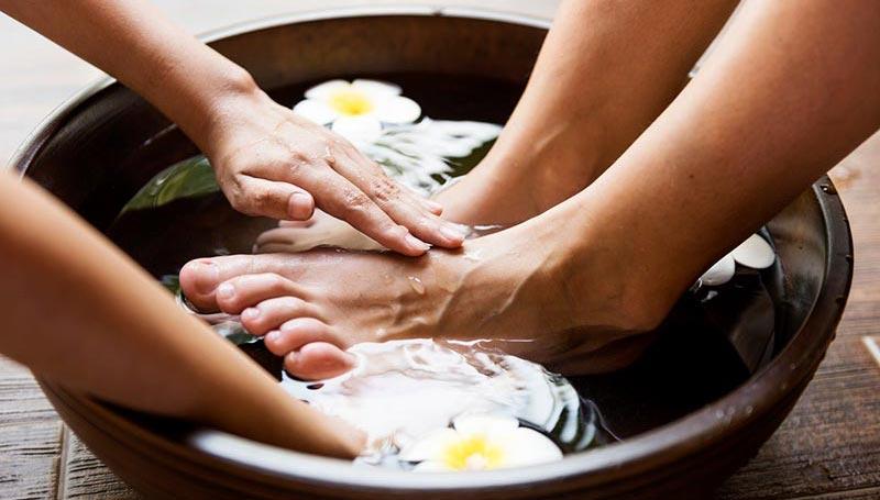 baño relajante de pies